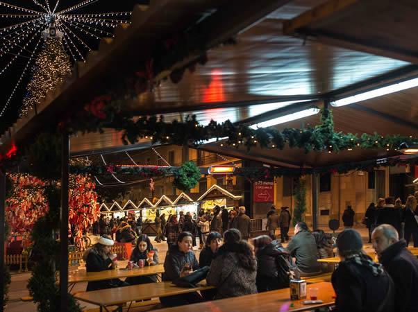 Mercado-de-Navidad-en-Zaragoza-España.-Autor-Zaragoza-y-Eventos